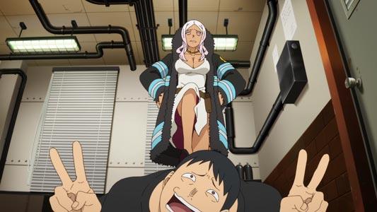 "Hibana 火華 stepping on a guy doing a ""double peace"" sign, daburu piisu ダブルピース."
