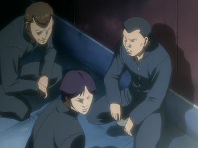 Delinquents squatting, example of yankii-zuwari ヤンキー座り.