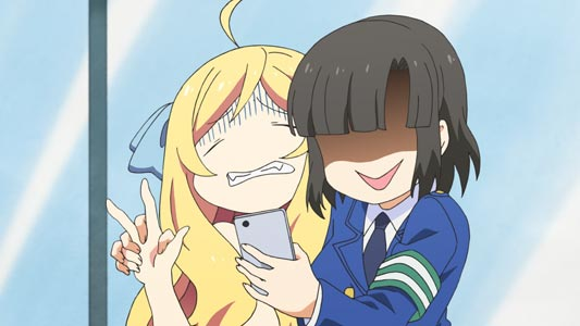 "Jashin-chan 邪神ちゃん, forced to do a ""peace"" sign, piisu ピース, by Tachibana Mei 橘芽依 for a selfie."