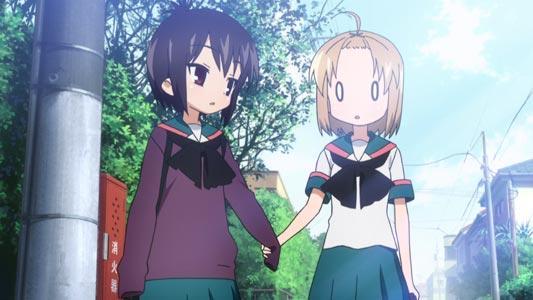 Ichii Tooru 一井透 and Momoki Run 百木るん holding hands using overly long sleeves (moe-sode 萌え袖) as protection.